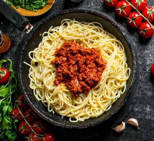 glutenfri spaghetti med vegansk kødsovs